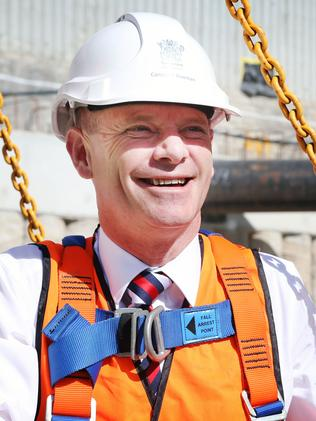 Premier Campbell Newman visiting a Brisbane construction project in Helen Street.