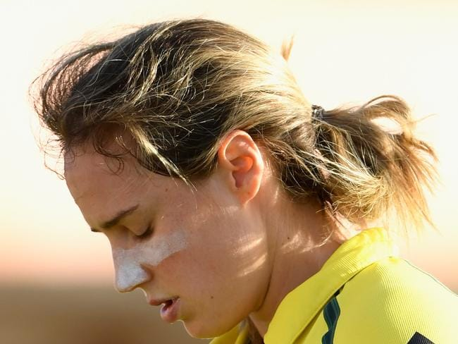 DERBY, ENGLAND - JULY 20:  Australia batsman Ellyse Perry reacts after being dismissed during the ICC Women's World Cup 2017 Semi-Final match between Australia and India at The 3aaa County Ground on July 20, 2017 in Derby, England.  (Photo by Stu Forster/Getty Images)
