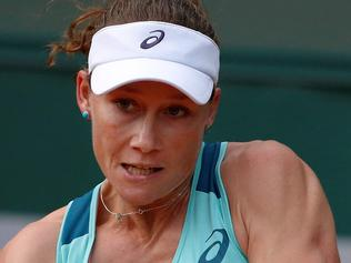 Australia's Samantha Stosur returns the ball to Japan's Misaki Doi during the women's first round match at the Roland Garros 2016 French Tennis Open in Paris on May 23, 2016. / AFP PHOTO / THOMAS SAMSON