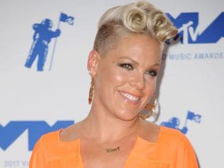 Pink poses at the 2017 MTV Video Music Awards, August 27, 2017 in California. Photo: Jason LaVeris/FilmMagic via Getty.