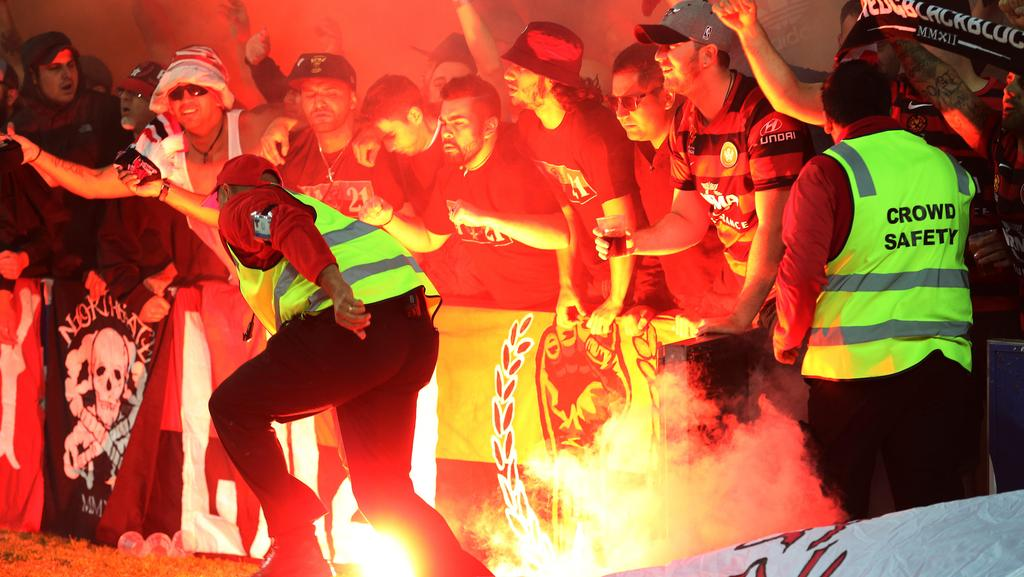 western sydney wanderers flares up - photo#4