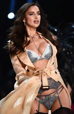 Irina Shayk walks the runway during the 2016 Victoria's Secret Fashion Show on November 30, 2016 in Paris, France. Picture: AFP