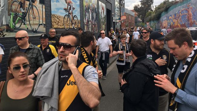All roads are leading to the MCG for Tigers fans hungry for a grand final berth. Picture: Peter Rolfe