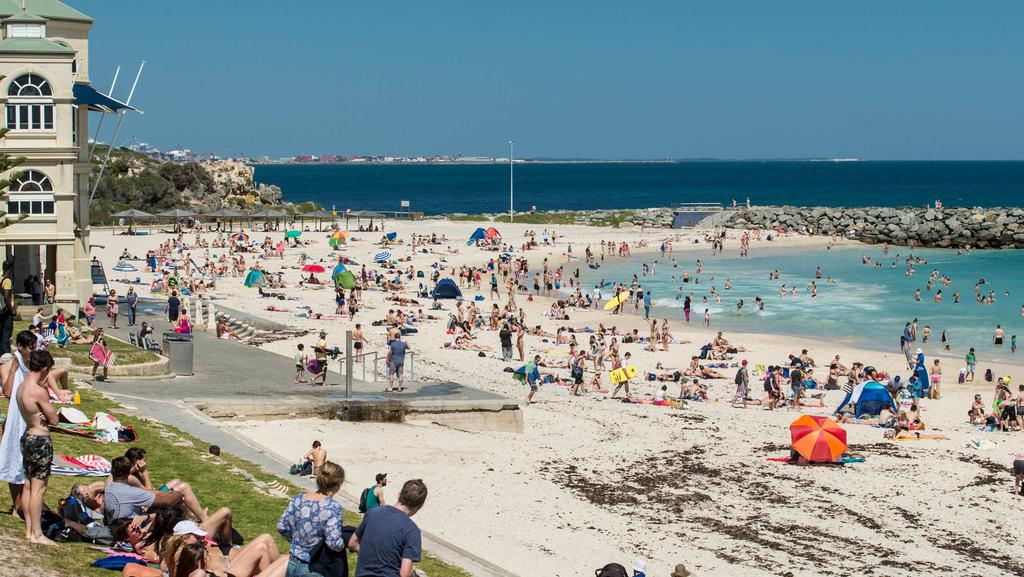 Premier colin barnett gives green light to scarborough and cottesloe ocean pools perth now for Scarborough campsites with swimming pool