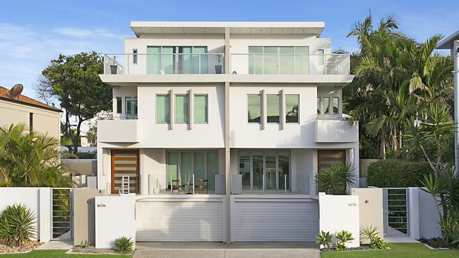 An investment property owned by Australian cricketer Shane Watson at Mermaid Beach will be auctioned on Saturday.