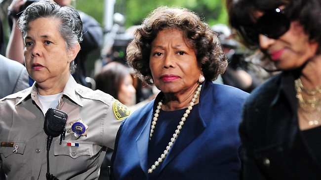 The late Michael Jackson's mother Katherine Jackson arrives at a courthouse in Los Angeles in this November 29, 2011 file photo. AFP / Frederic J. BROWN