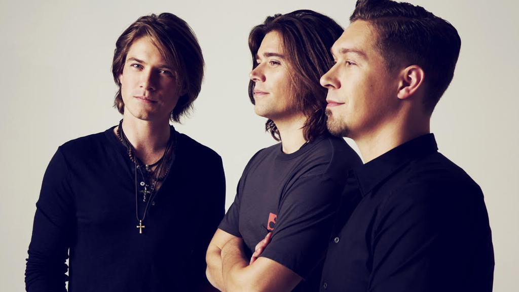 The Hanson brothers have announced their new tour dates.
