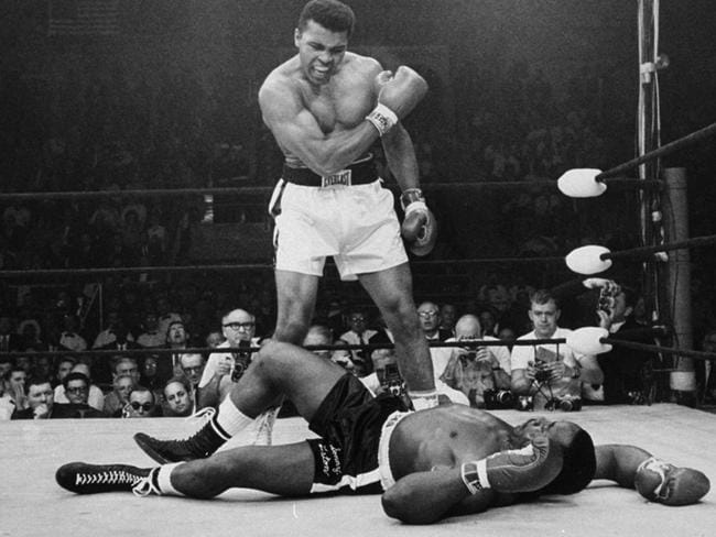 The other iconic Ali image.