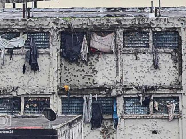 "Venezuelan megabandas rose out of the squalid prisons like Rodeo Jail (above) where ""pranes"" (gang leaders) rule the most violent in the world. Picture: Reportero 24"
