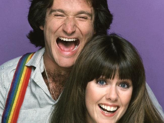 Robin Williams and Pam Dawber in season one of Mork & Mindy, 1978.