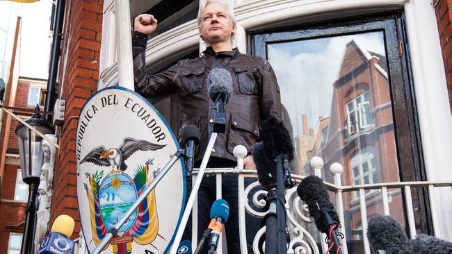 Ecuador president slams Assange