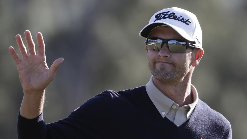 Adam Scott waves during the second round of the Masters golf tournament Friday, April 7, 2017, in Augusta, Ga. (AP Photo/David Goldman)