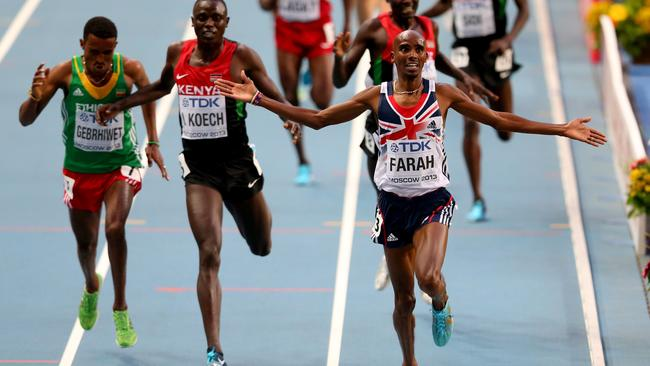 Mo Farah wins the 5000m world title.