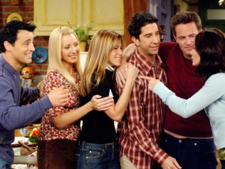 FRIENDS, Matt LeBlanc, Lisa Kudrow, Jennifer Aniston, David Schwimmer, Matthew Perry, Courteney Cox, 'The One With The Late Thanksgiving', (Season 10, epis. #226), 1994-2004, © Warner Bros. / Courtesy: Everett Collection