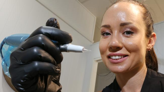 How gold coast business inkhanced uses 3d tattoos to help for Tattooed nipples after breast reconstruction