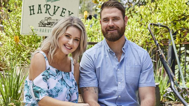 My kitchen rules 2017 bek outred on romance with kyle mclean for Y kitchen rules season 8