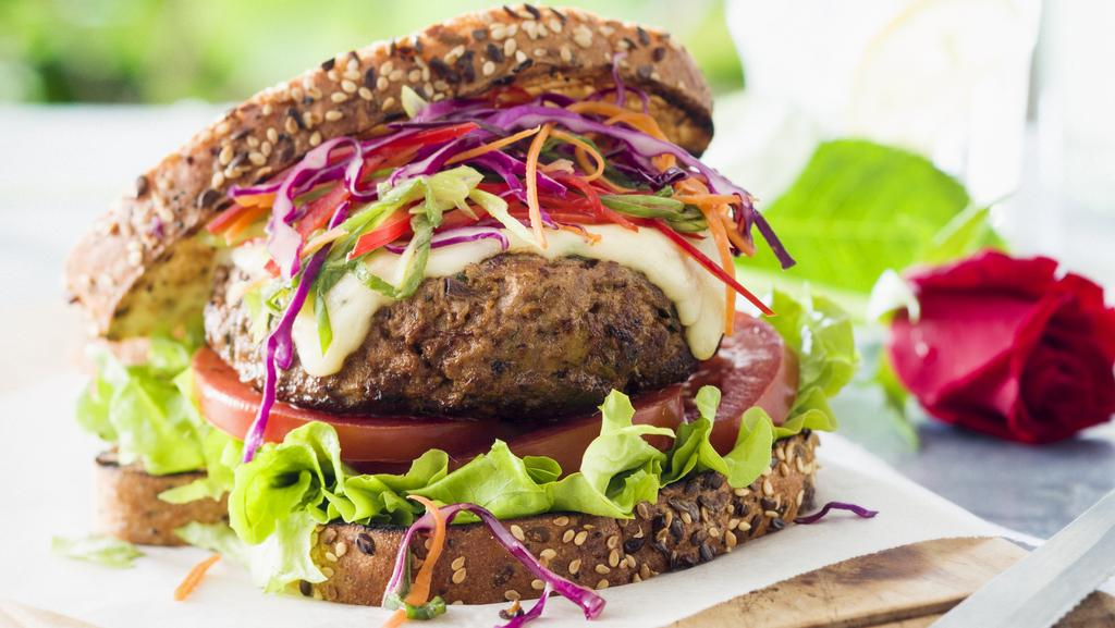Sam wood s healthy burger recipe a week of healthy for Hamburger dinner ideas for tonight