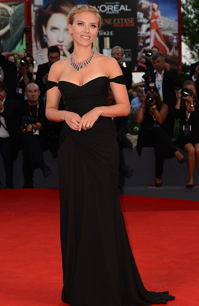 Is Scarlett Johansson pregnant?