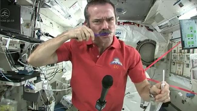 Colonel Chris Hadfield, Commander of Expedition 35, reveals how astronauts actually do brush their teeth in space with zero gravity.
