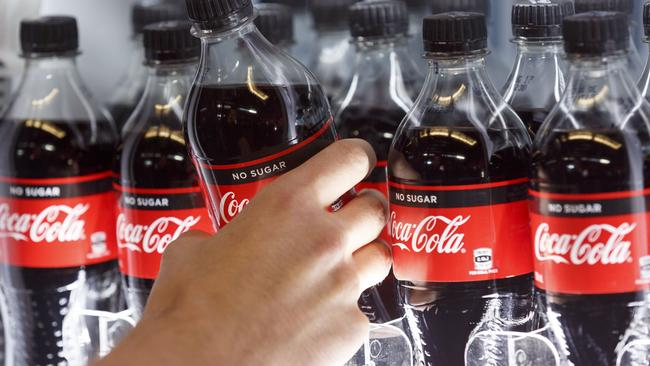Coca-Cola is keen on making a success of its new no sugar varmint. Woolworths isn't helping.