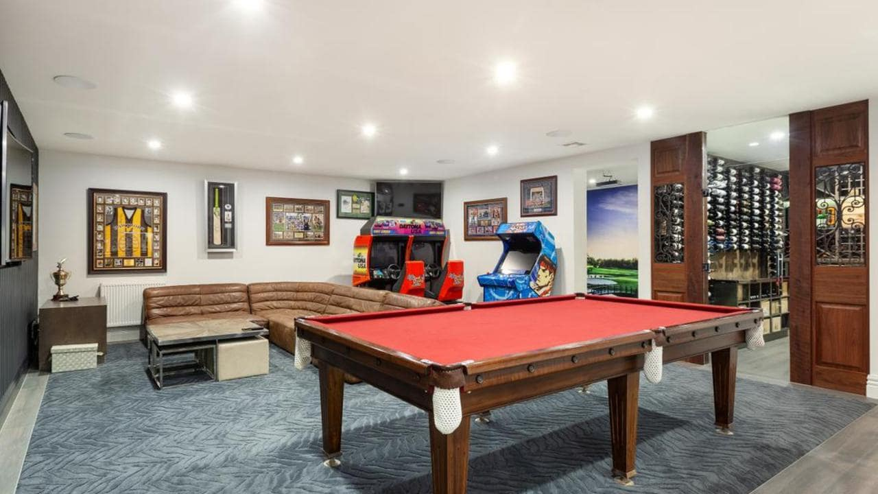 Man Cave Show Melbourne : Hillcrest ave kew comes with ultimate mancave
