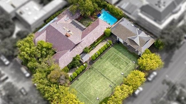 1 Heymount Close, Toorak, fetched about $17.5 million this year.