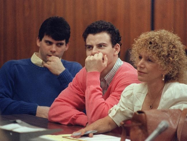 Lyle Menendez (left) and brother Erik (centre) with their lawyer Leslie Abramson at their first trial in 1993. Picture: Mike Nelson.