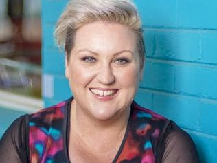 Weekend Cover & Inside Pix: Meshel Laurie