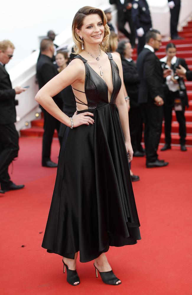 Mischa Barton stuns on Cannes red carpet after troubling ...