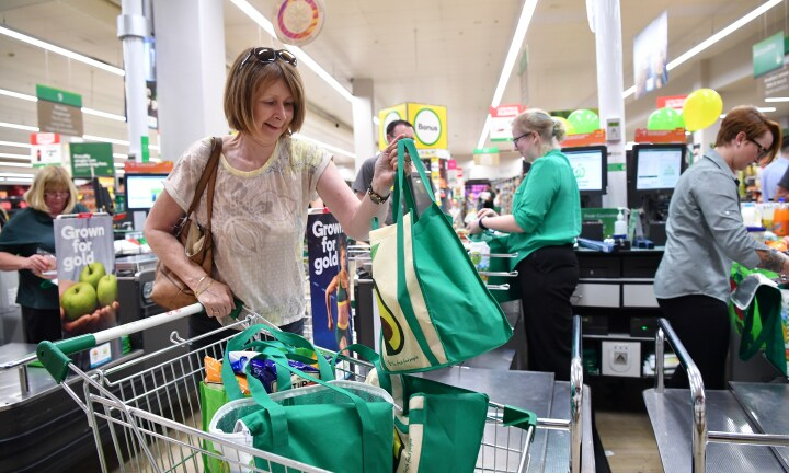 'No excuse for it': Woolies plastic bag ban warning