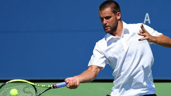 Mikhail Youzhny refused to criticise Kyrgios in the post-match press conference.