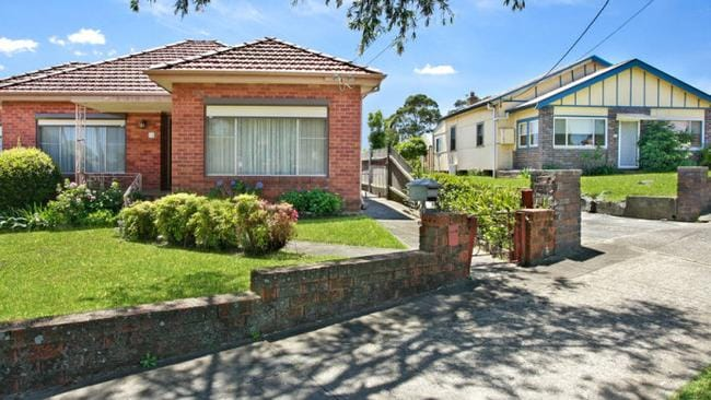 19 & 21 Barnsbury Gr, Bexley North sold for just over $3 million.