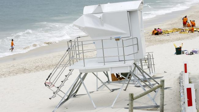 surf watch towers arrive at perth beaches in time for australia day perth now. Black Bedroom Furniture Sets. Home Design Ideas