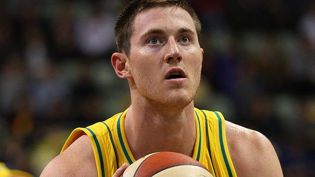 Aron Baynes of the Boomers shoots a free throw.