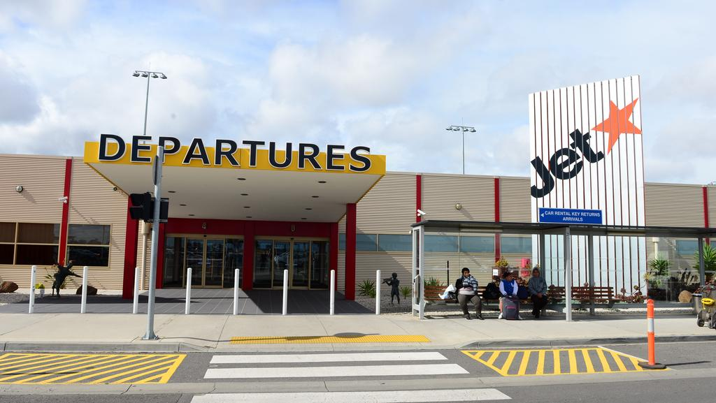 avalon airport pain jetstar passengers drive to melbourne. Black Bedroom Furniture Sets. Home Design Ideas