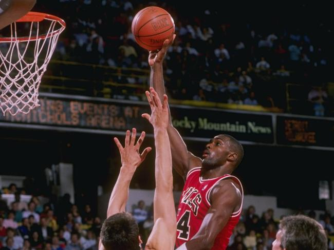 Horace Grant sans-goggles in the 1989-90 NBA season.