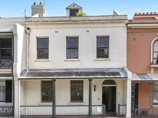 60 Argyle Place Millers Point for sale at $3,000,000 - $3,200,000. Built c1845 by whaling captain George Grimes, this Colonial Georgian home is one of a row of five houses that form one of the earliest terrace groups in Sydney. NSW real estate.