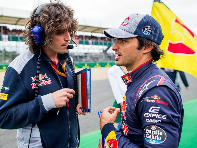Carlos Sainz says the issue will be treated in-house.