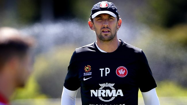 Tony Popovic oversees a Wanderers training session this week. Picture: Gregg Porteous