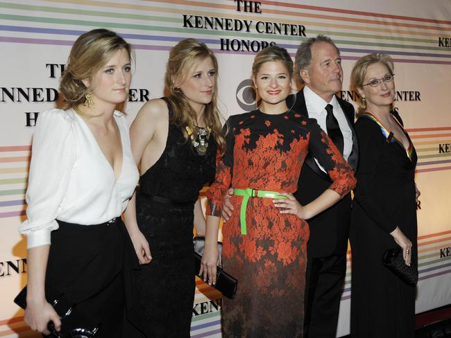 Grace Gummer, Mamie Gummer, Louisa Gummer, Don Gummer and Meryl Streep.