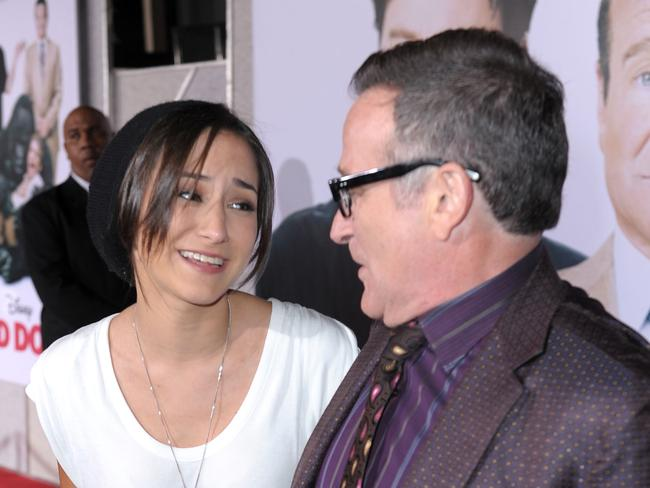 Trolled ... Actor Robin Williams (R) and daughter Zelda Williams arrive at the premiere of Walt Disney Pictures' Old Dogs.