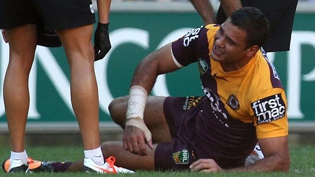 Justin Hodges in agony with a leg injury during the Round 22 NRL match between the Brisbane Broncos and the St George-Illawarra Dragons.