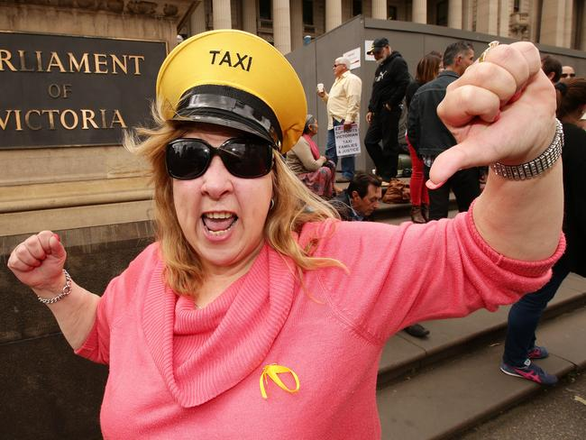 how to get taxi licence in adelaide
