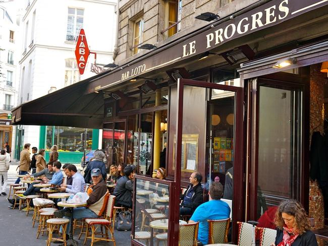 Sitting all day over an espresso is the Parisian way.