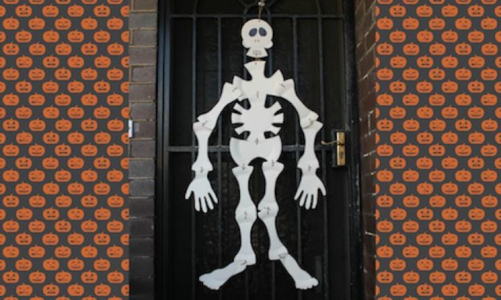 "21. Make a life-size skeleton out of paper plates  <p>Don't just make any old skeleton, make a life-size one you can hang on the door to ""welcome"" the local ghouls.</p> <p><a href=""http://www.kidspot.com.au/things-to-do/activities/paper-plate-skeleton"">The instructions, including images for each body part are all here on the how to make a Paper plate skeleton.</a></p>"