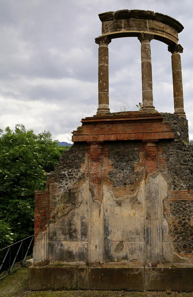 A fragment of a temple in Pompeii.