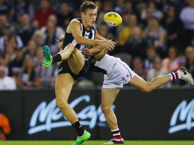 Yes, Collingwood's forwards pack are having a shocker, but do the Pies' problems run deeper?
