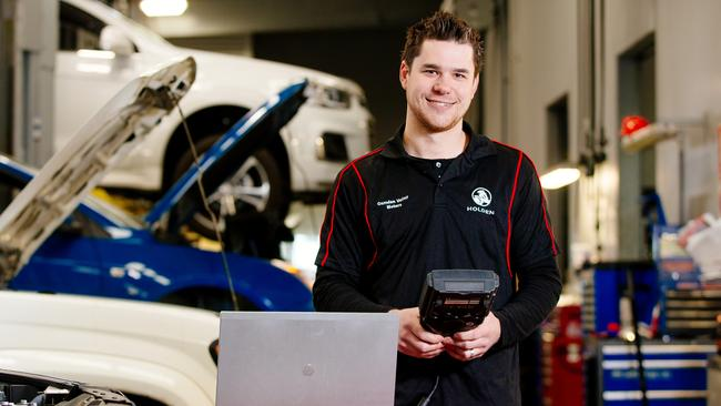 Teens Into Tech Needed For Auto Trades Staff Shortage