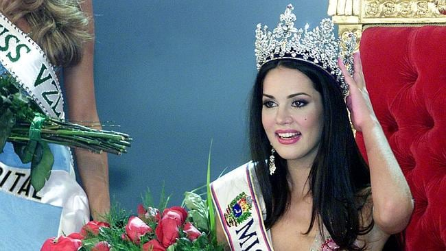 Venezuelan Monica Spear poses after being elected Miss Venezuela, in Caracas, on September 23, 2004.