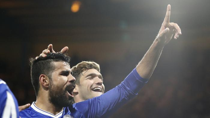 Chelsea's Diego Costa celebrates scoring a goal during the English Premier League soccer match between Chelsea and Everton at Stamford Bridge stadium in London, Saturday, Nov. 5, 2016. (AP Photo/Kirsty Wigglesworth)